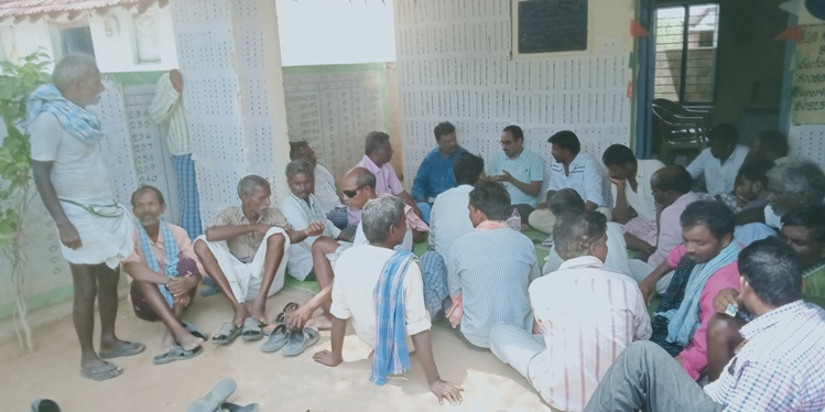 Photo - Scientists discussing with SC communities for identifying the felt needs